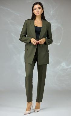 Suit Angelina & Company 575x